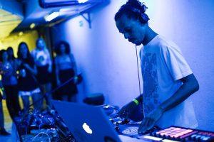 DJ Guirriaz (clique aqui e acesse o release)